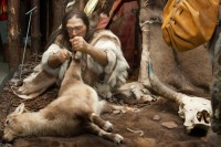 Neandertal: nachgestellte Jagdszene im Museum
