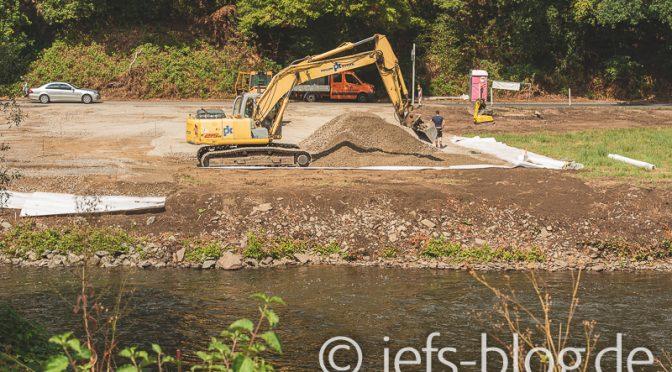 Behelfs-Wupperbrücke wird endlich gebaut
